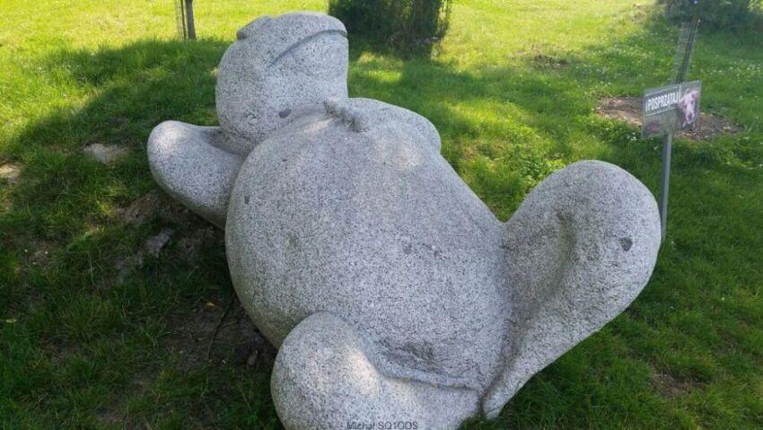 Pomnik żaby w Zbaszyniu